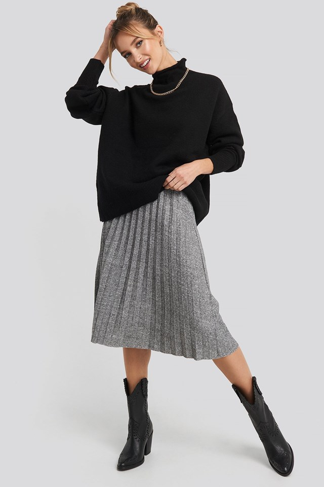 Eyelash Pleated Knitted Skirt Outfit.