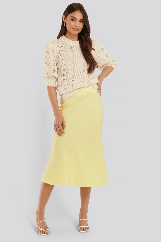 Short Balloon Sleeve Knit Outfit.