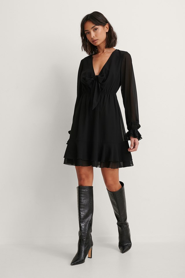 Deep V-neck Front Tie Dress Outfit!