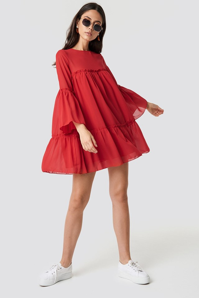 The Casual Red Mini Dress with Cool Sunglasses Look