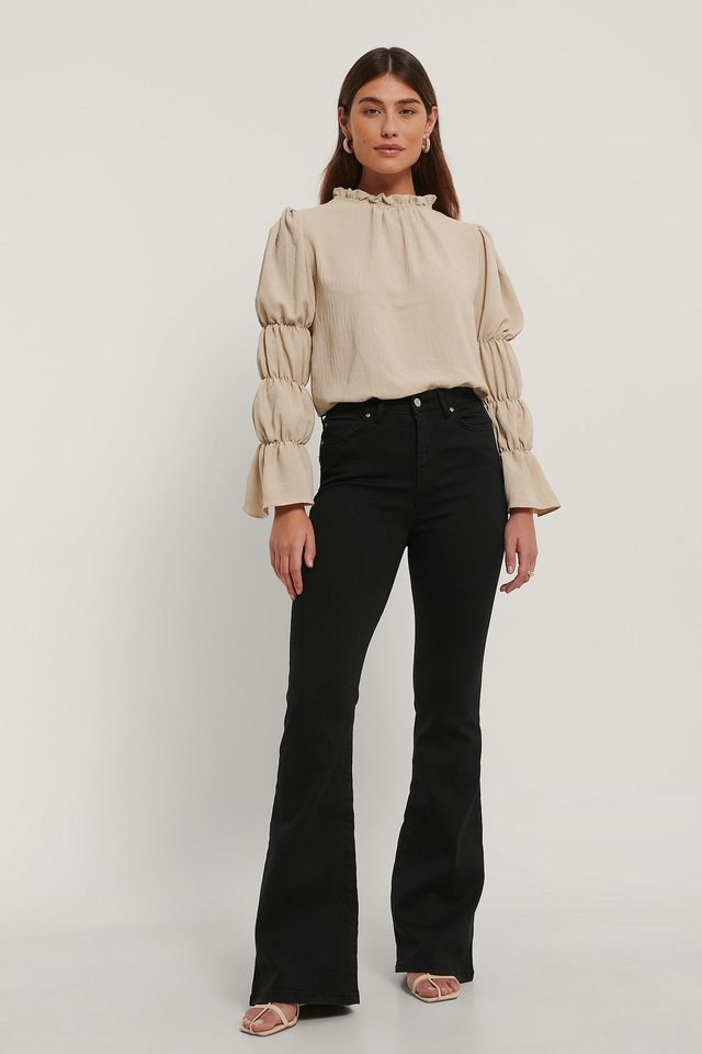 High Waist Flare Jeans Black Outfit.