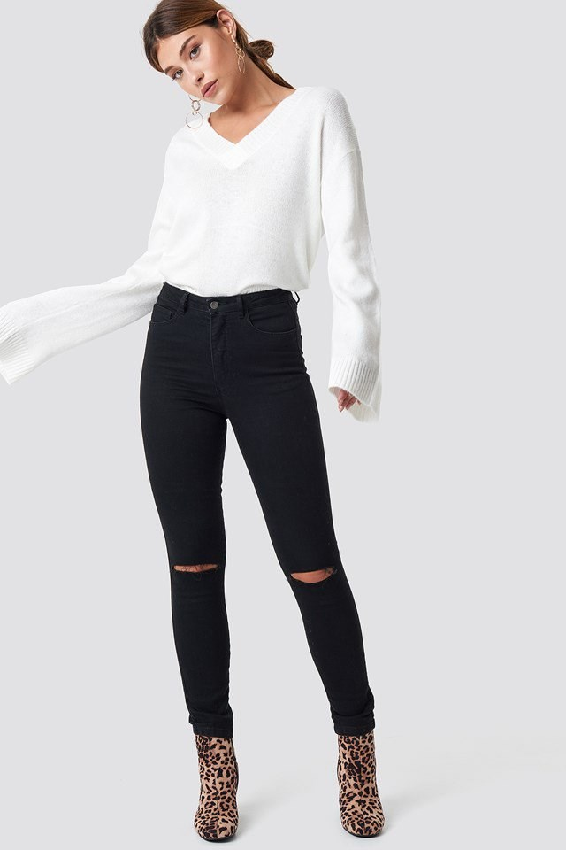 White Sweater Leo Boots Outfit