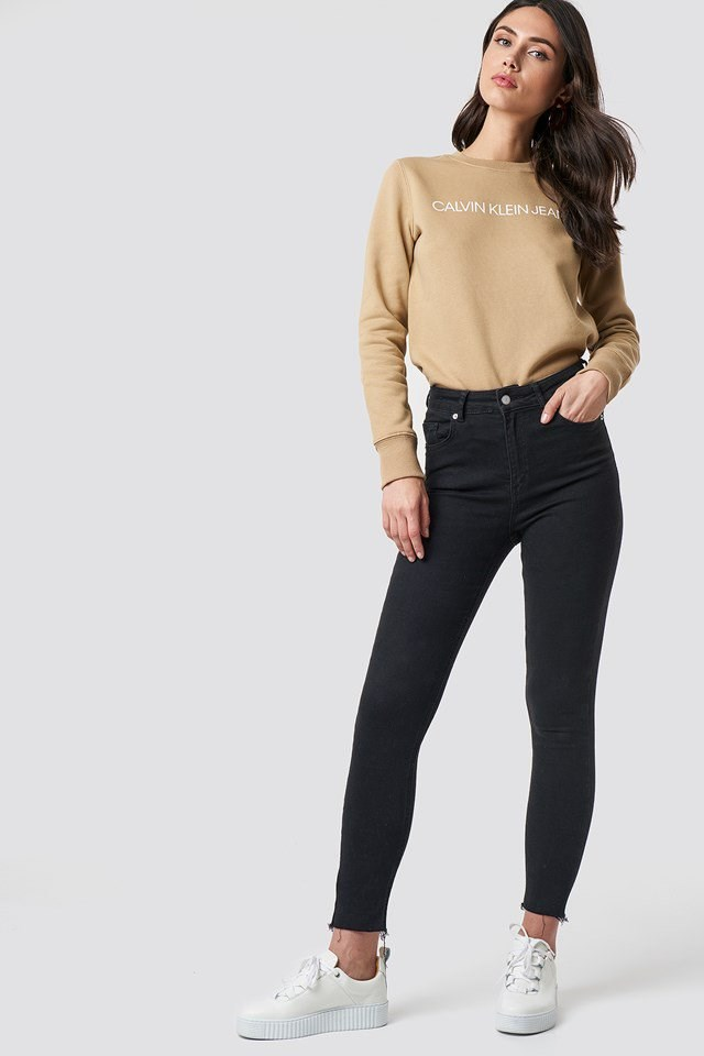 Casual Calvin Crew Outfit