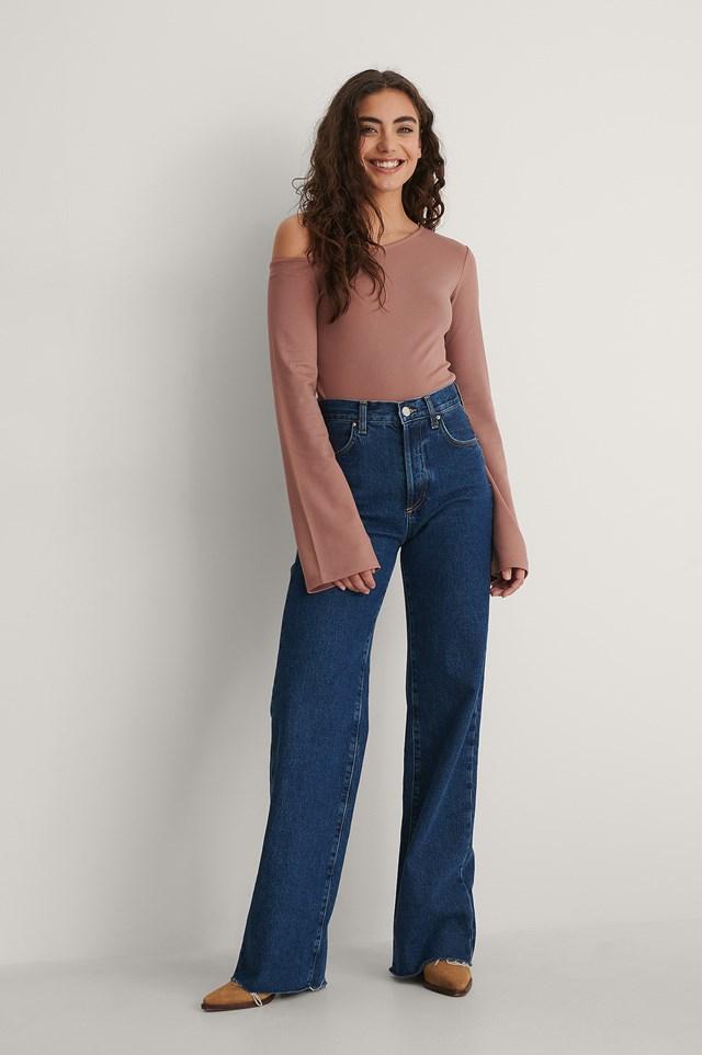 Asymmetric Shoulder Top Outfit.
