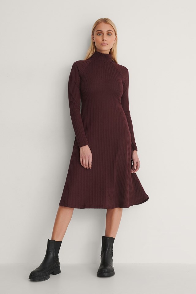 High Neck Flowy Midi Dress Outfit.