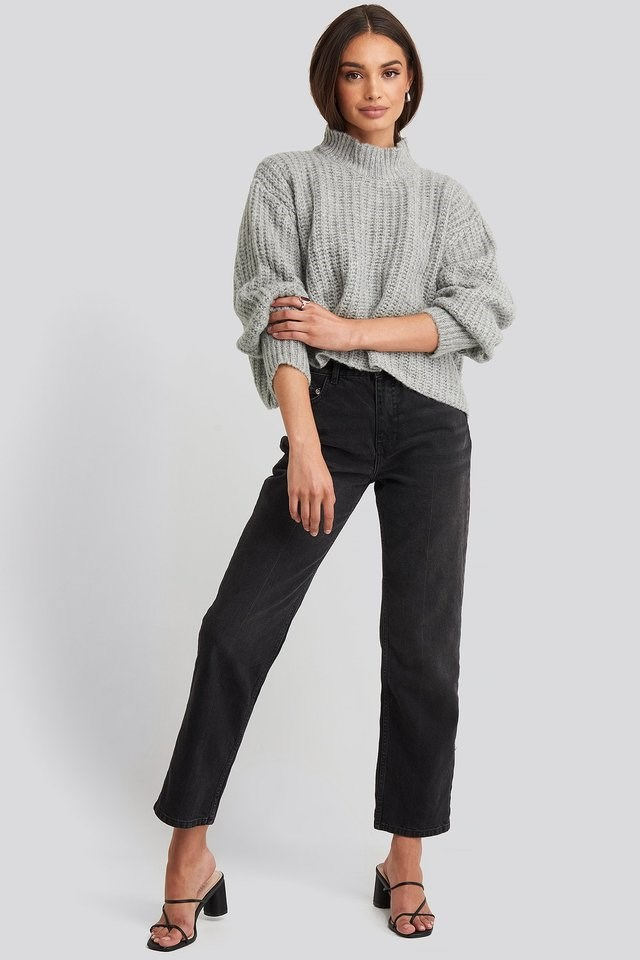 Volume Sleeve Cropped Knitted Sweater Outfit.