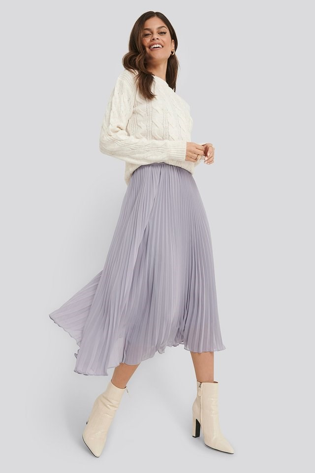 Ankle Length Pleated Skirt Outfit.