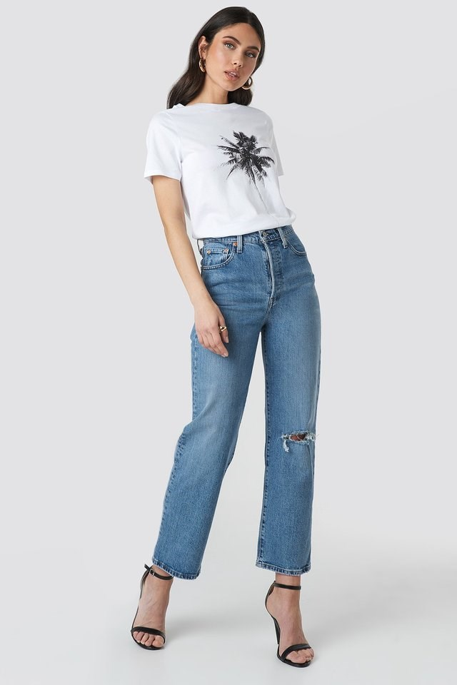 Tropic T-shirt Outfit.
