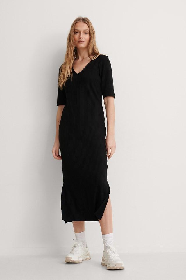 Ribbed V Neck Jersey Midi Dress Outfit.