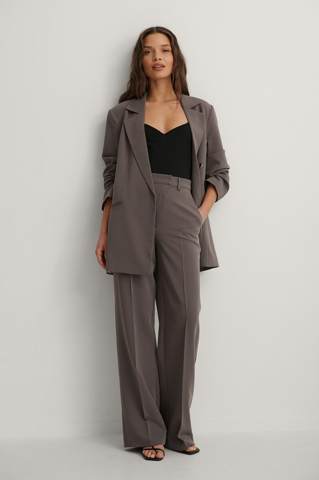 Wide Leg Suit Pants and Strap Jersey Body Outfit.