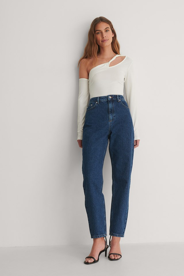 Stone Wash Mom Jeans Outfit.