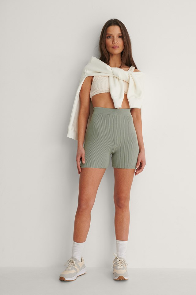 Ribbed Knitted Fitted Shorts