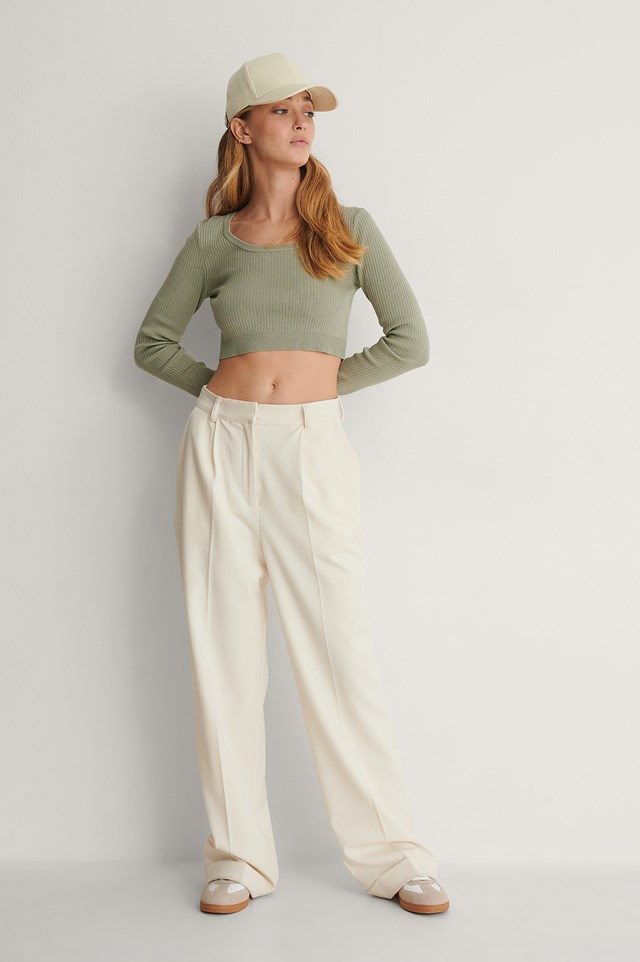 Deep Round Neck Cropped Knitted Top Outfit