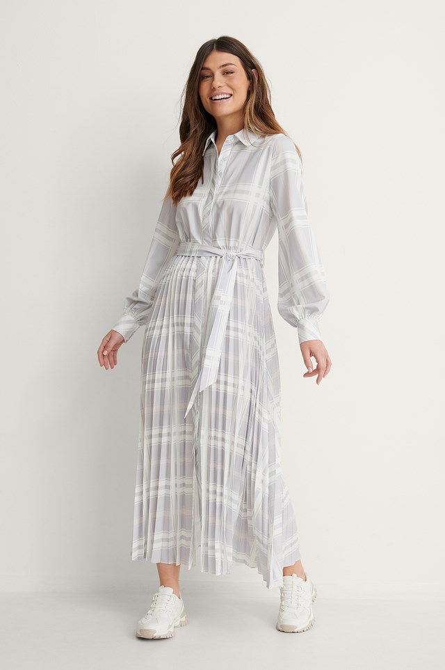 Pleated Detail Midi Dress Outfit