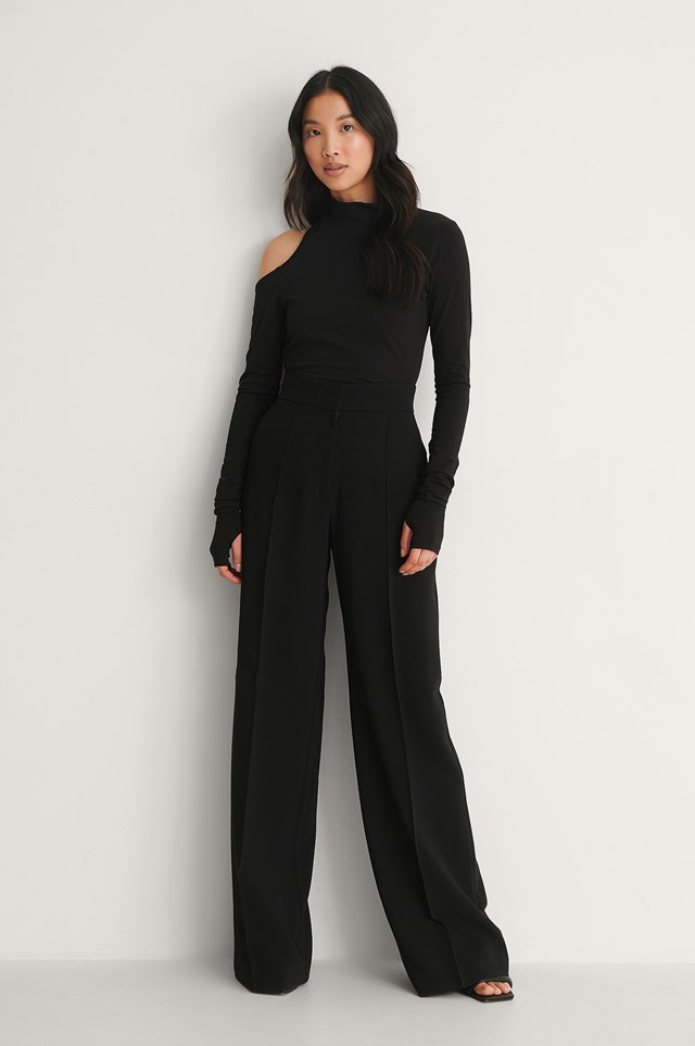 NA-KD Cut Out Shoulder Top Outfit