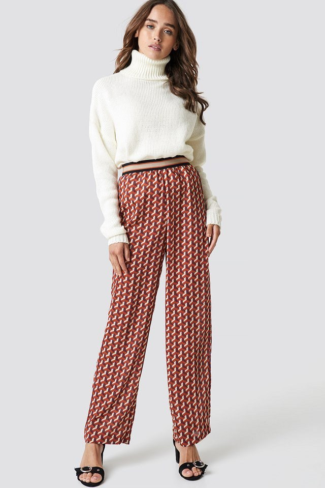 Pattern Pant X Turtle Neck Outfit