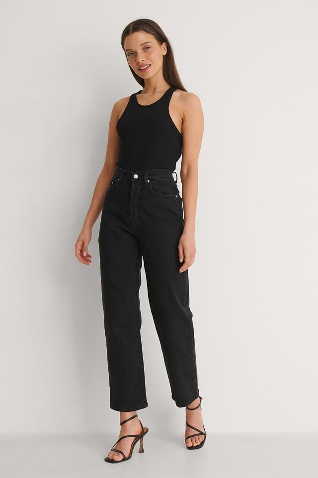 NA-KD Straight High Waist Jeans Petite Outfti