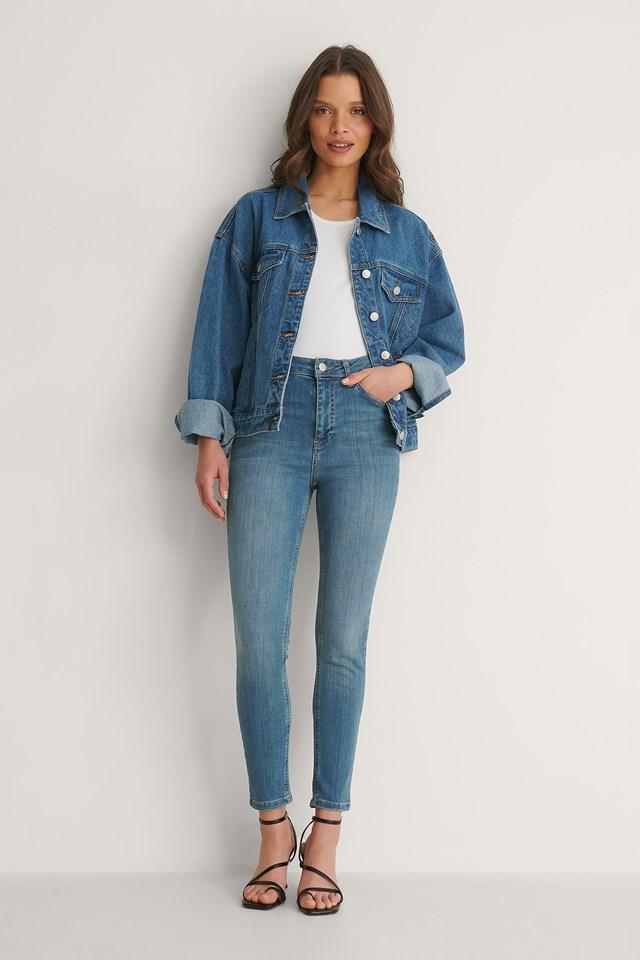 NA-KD Skinny High Waist Jeans Petite Outfit