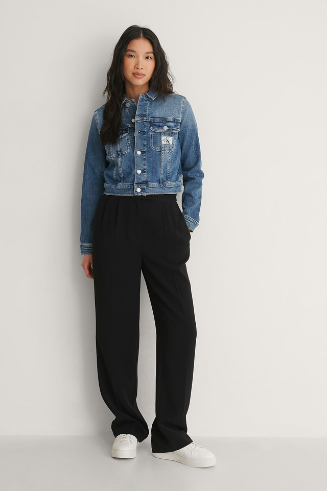 Calvin Klein Cropped 90s Denim Jacket Outfit