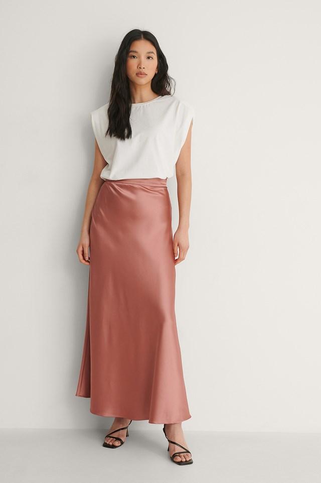 NA-KD Midi Flowy Satin Skirt Outfit