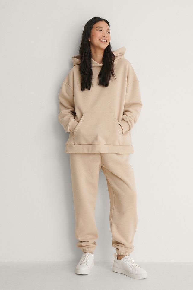 Oversized Pocket Hoodie Outfit