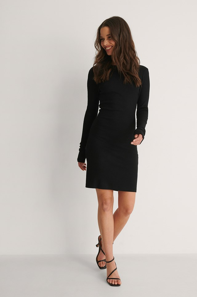 Back Detail Dress Outfit