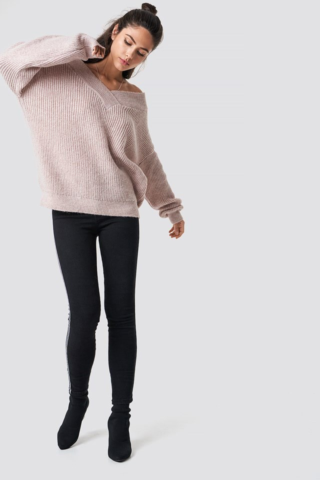 Casual Pink Knit Black Denim Outfit