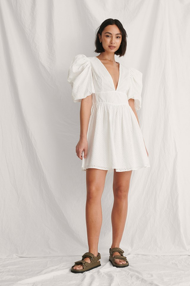 Puffy Sleeve Marked Waist Dress Outfit.