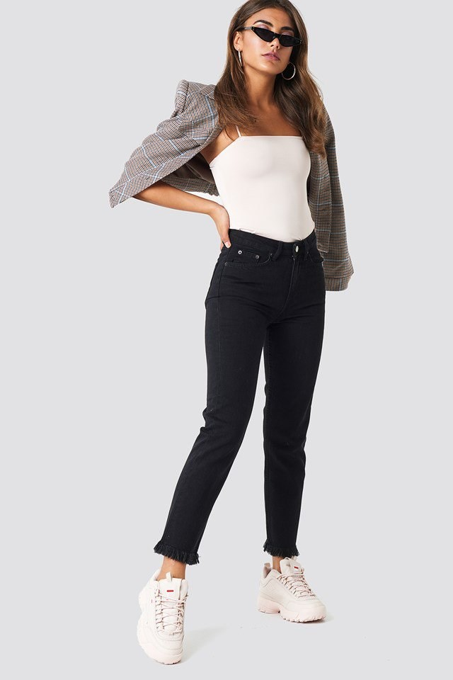 Black Jeans with Bodysuit and Blazer Outfit.