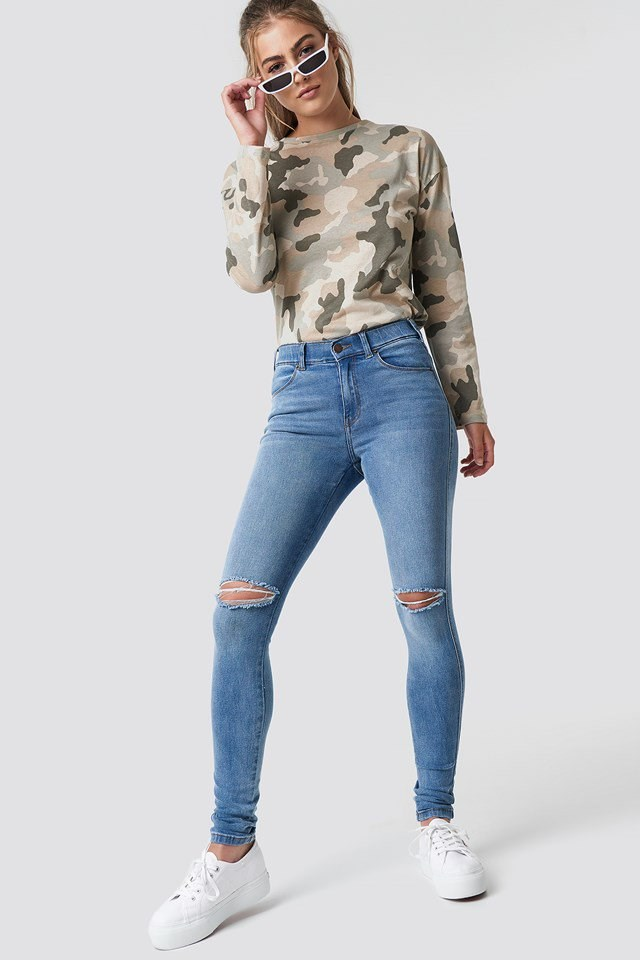 Jeans with Pattern Top.