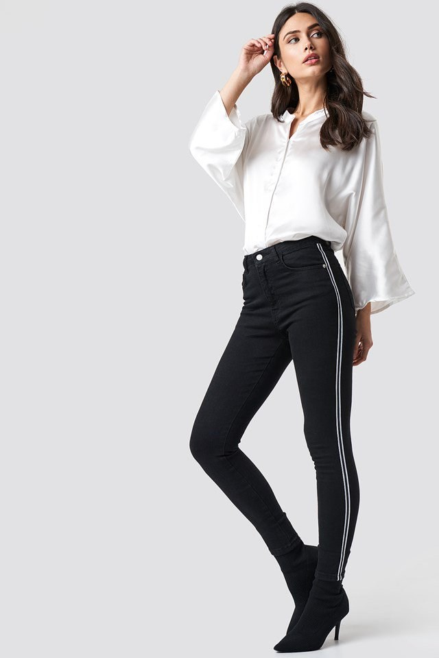 Sporty Blouse Outfit.