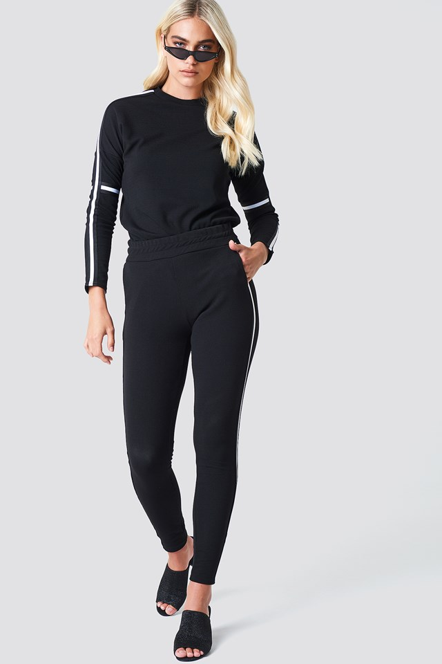 Sweatshirt on Sweatpants Style