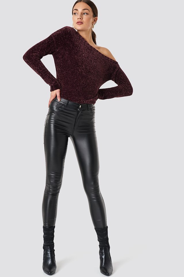 Off Shoulder Tight Knit X Leather Outfit