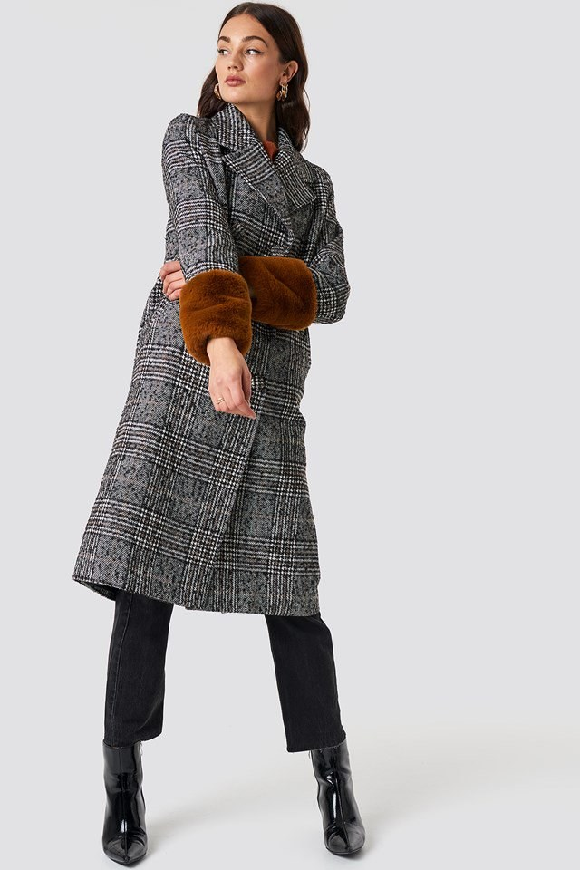 Fur Sleeved Jacket Outfit
