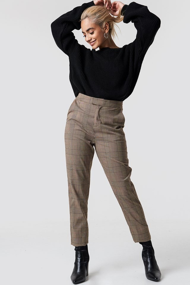 Elastic Waist Sweater Outfit