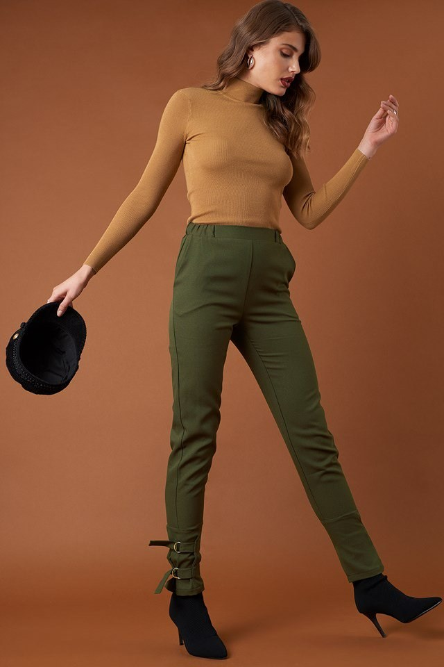 Ribbed Polo Knitted Sweater and Ankle Strap Detailed Pants