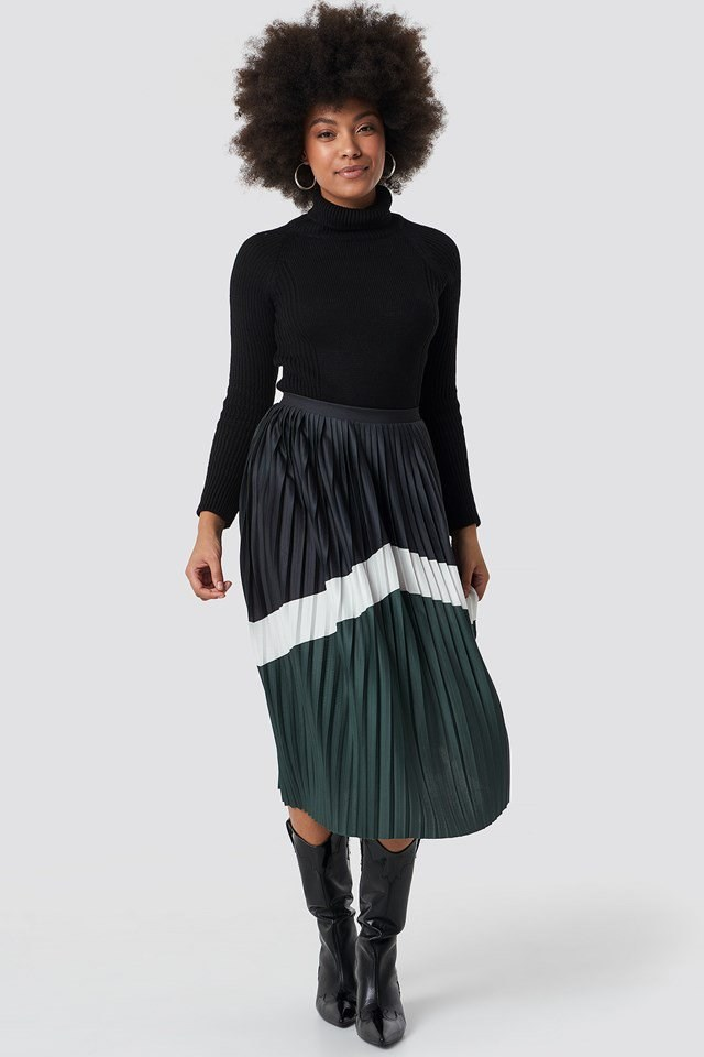 Midi Skirt and Cowboy Boot Outfit