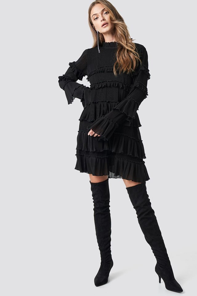 High neck layered party dress outfit