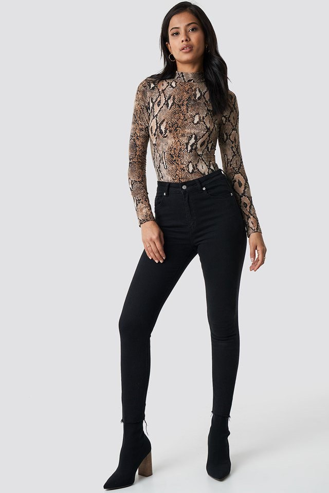 Trendy Gloria snake body outfit