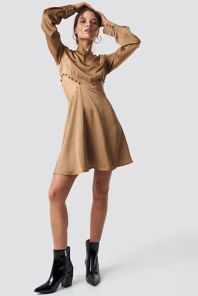 Flirty Short Buttoned Dress Outfit