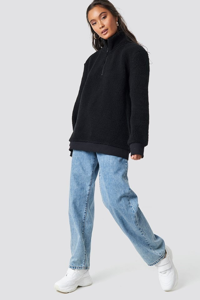 Black Teddy Sweatshirt Outfit