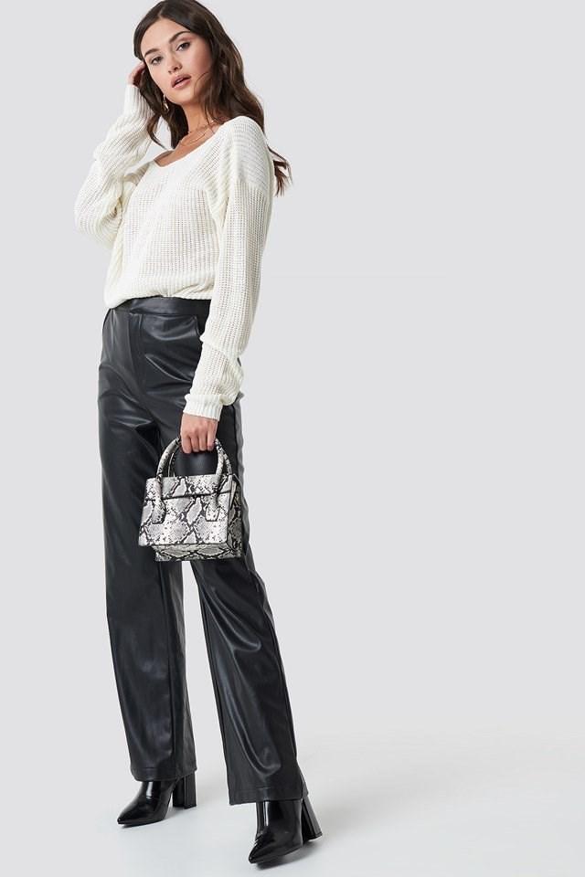 V-back Knit Outfit