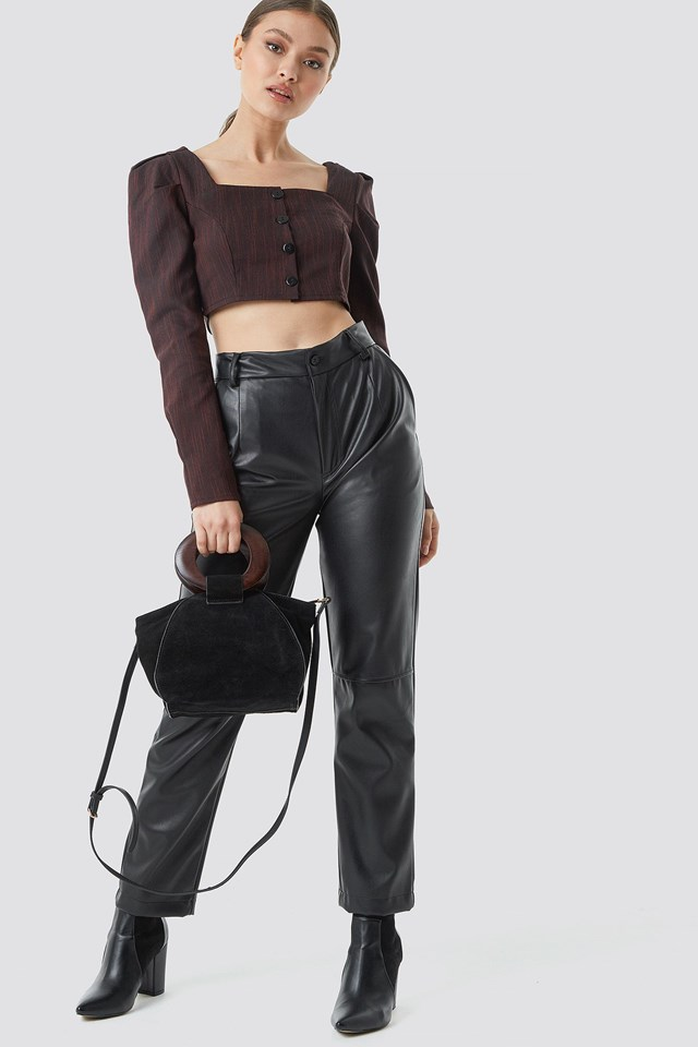 Black Button Detailed Cropped Top