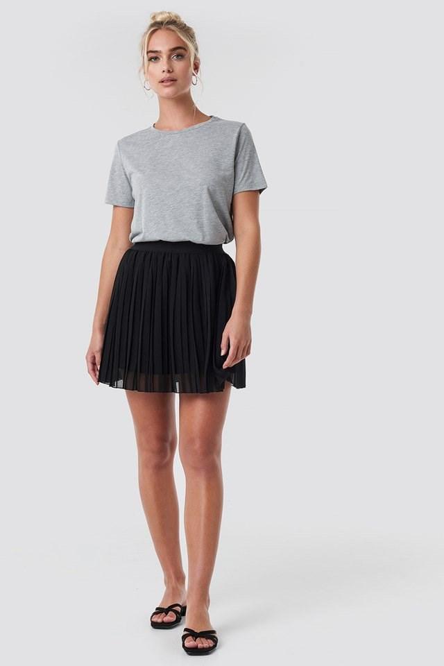 Mini Pleated Skirt Black Outfit