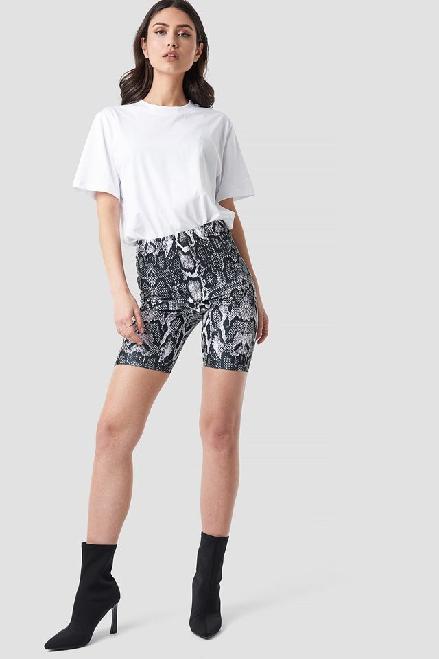 Snake Print Cycling Shorts Black Outfit