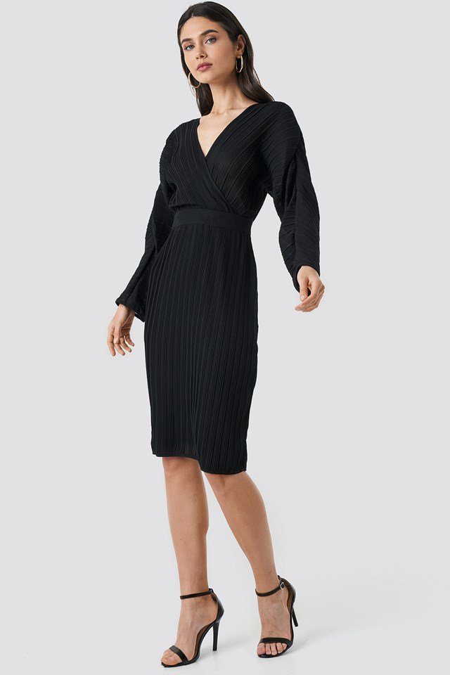 Dolman Sleeve Pleated Dress Outfit