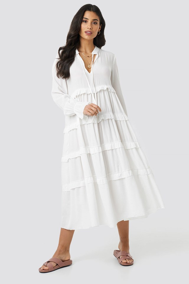 Ruffle Detail Long Dress Outfit