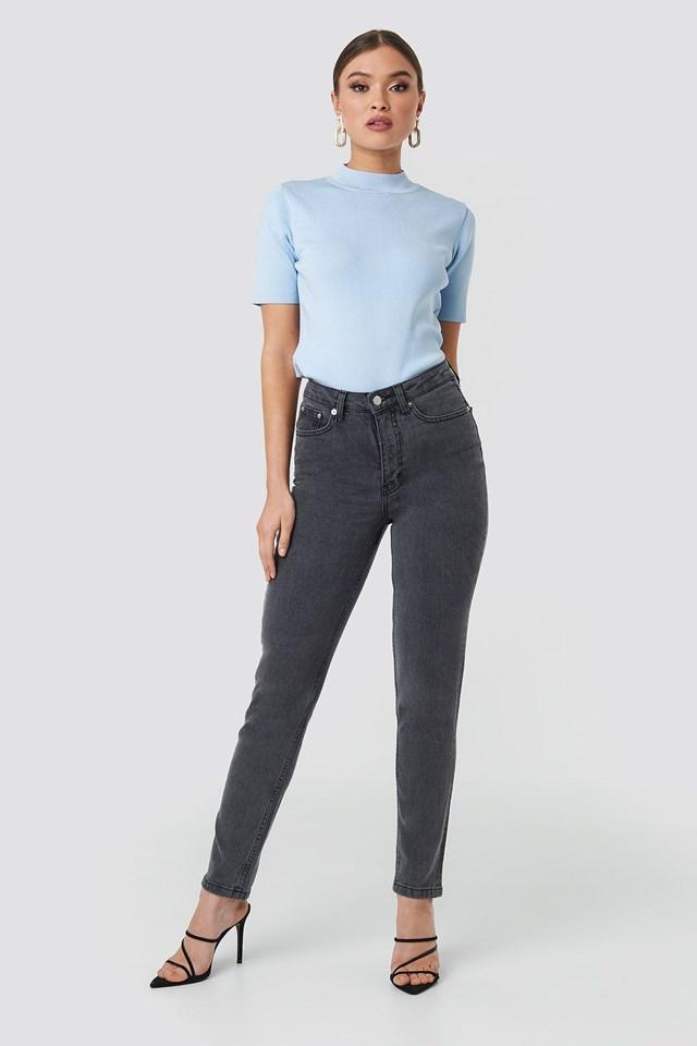 Ester Top Light Blue Outfit