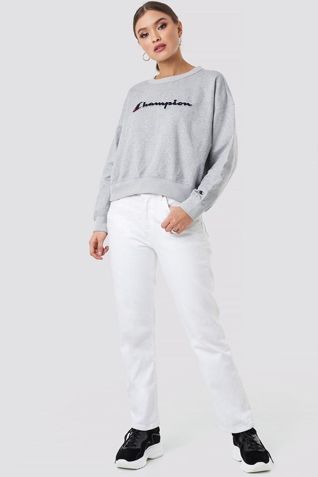 Crewneck Logo Sweatshirt Grey Outfit
