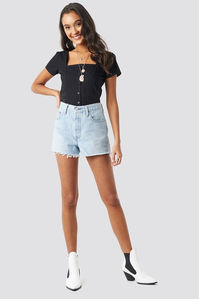 Square Neckline Buttoned Top Black Outfit